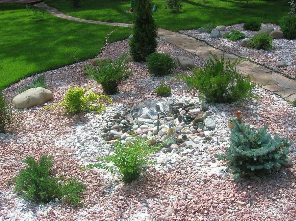 Основа композиции любого рокария — это камни