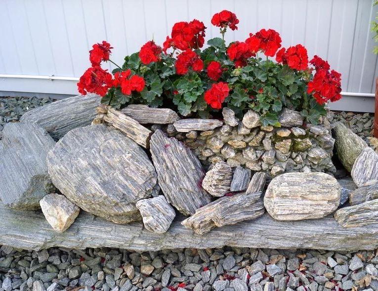 Композиции из камня