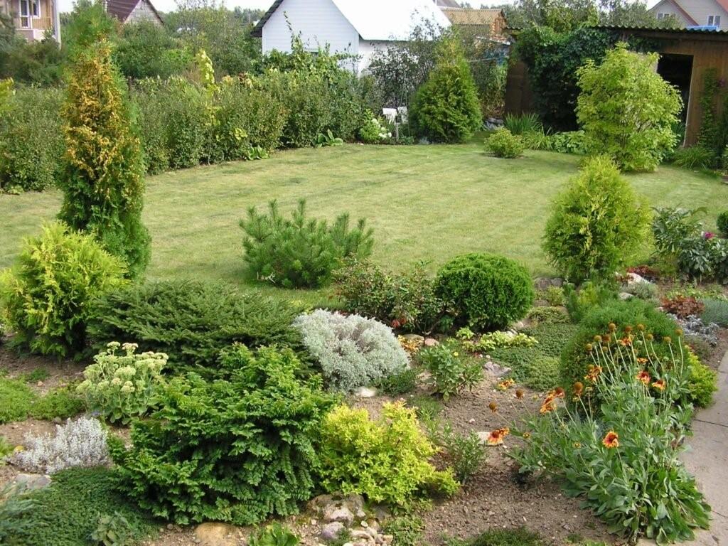 разработанный ландшафтный дизайн сада