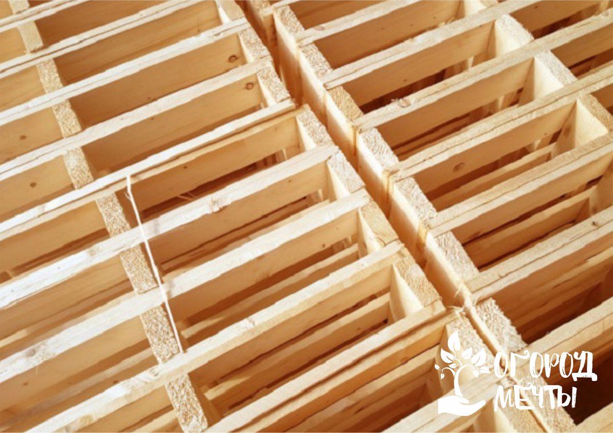 Предметы декора для участка из деревянных поддонов