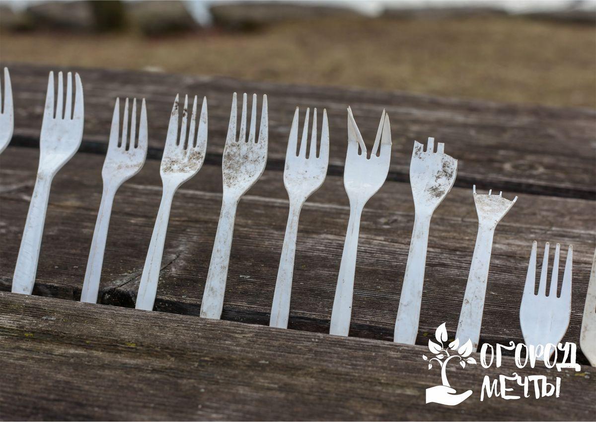 Зачем нужны одноразовые пластиковые вилки в огороде, на даче: