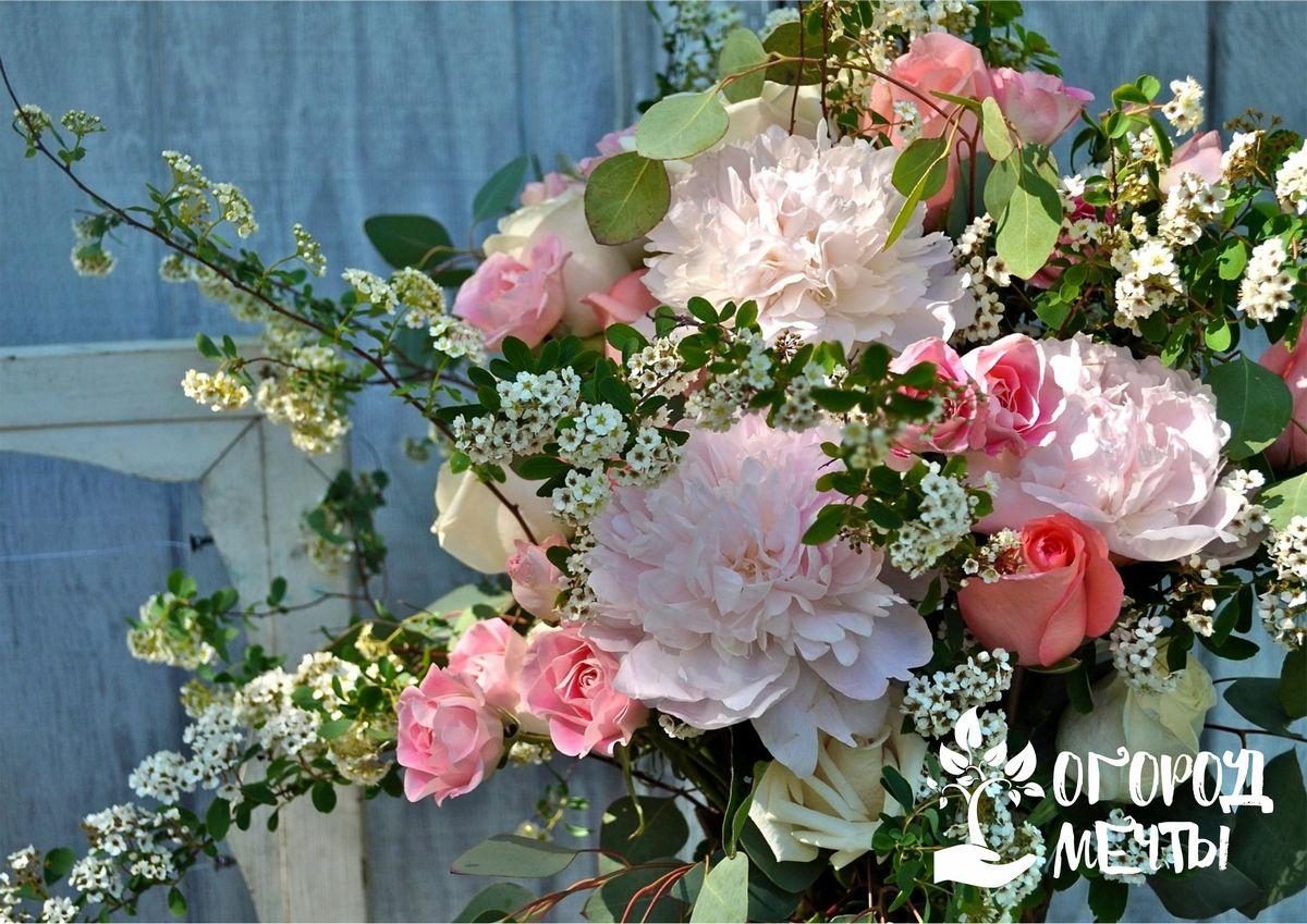 Как из цветочного букета получить красивую садовую розу