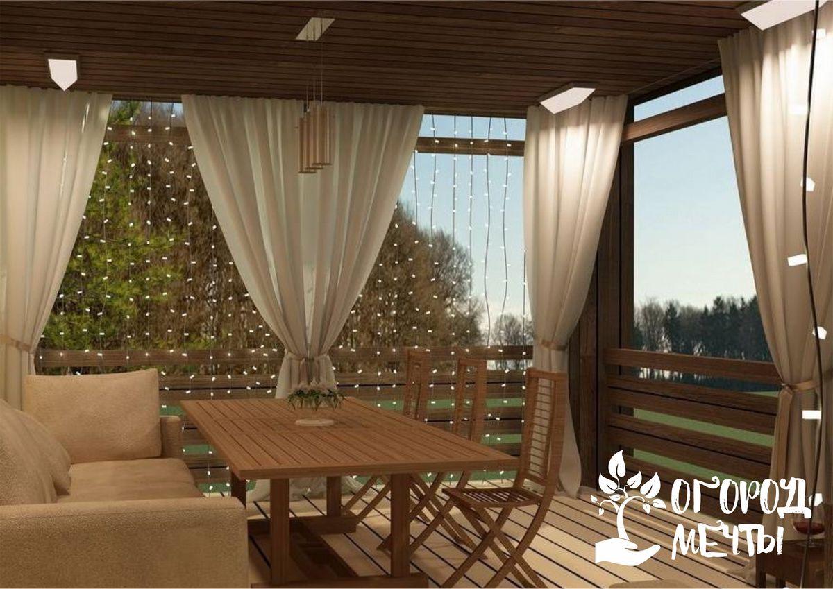Как выбрать функциональные шторы для дачи