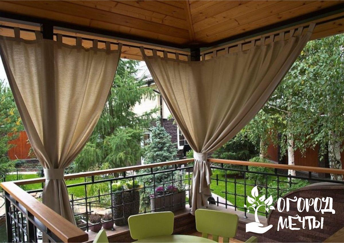Лучший декор для комфортного отдыха на даче: какие шторы можно повесить в садовой беседке и на террасе