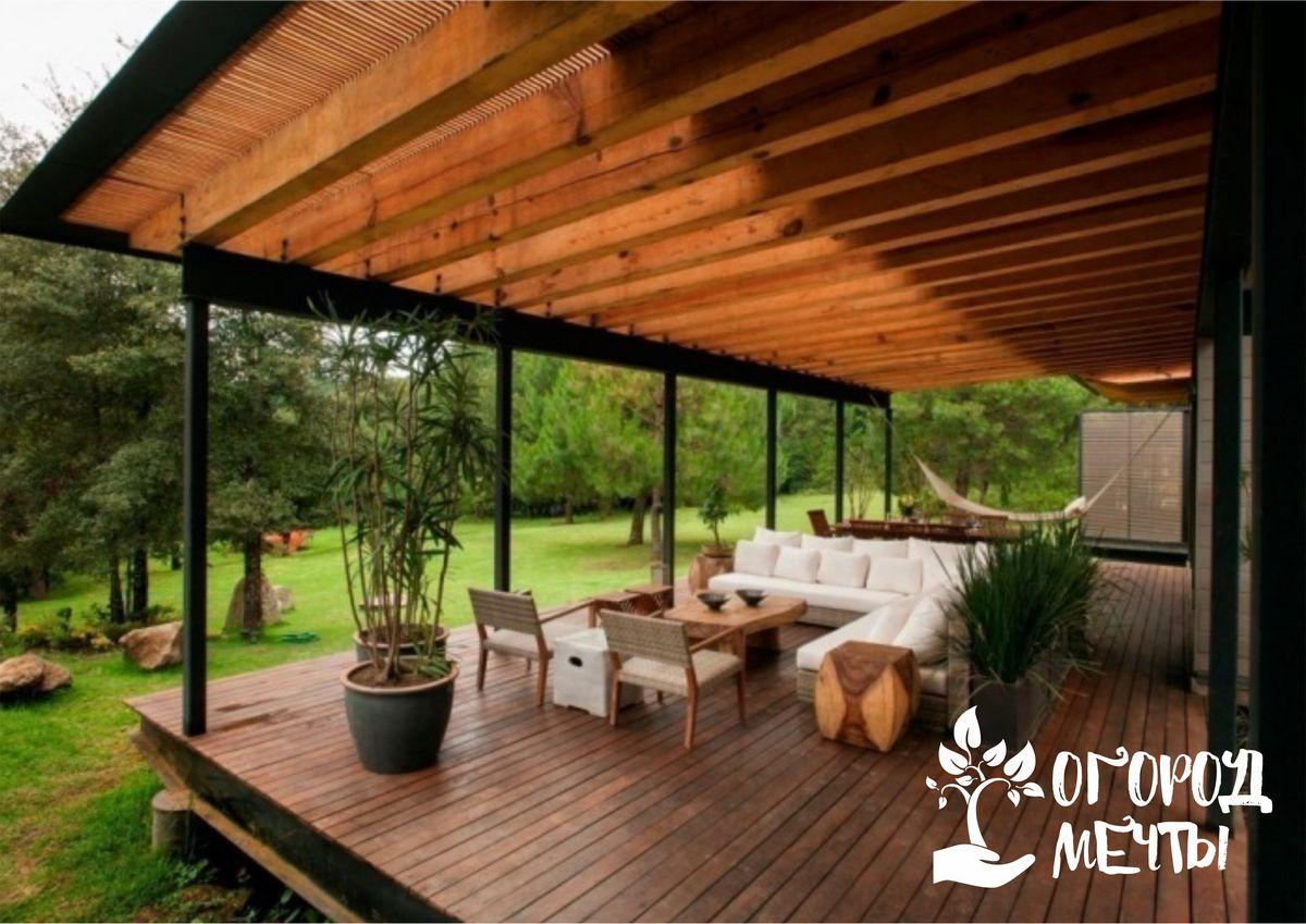 Вашей зоне отдыха на даче будут завидовать все соседи, если вы украсите её этим универсальным декором!